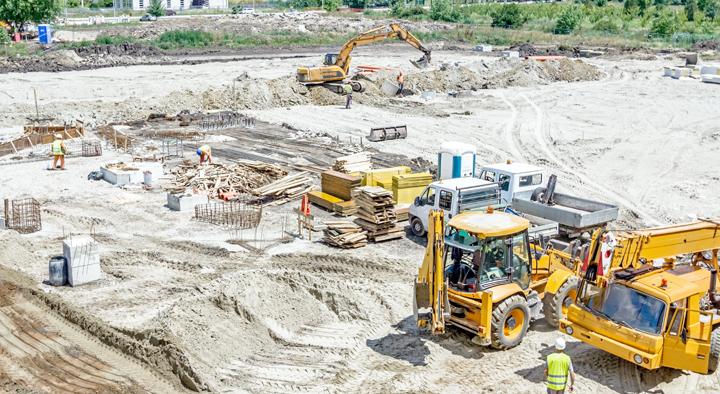 建設現場での車両・大型機械の位置管理